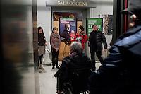 Bergamo: gente durante un incontro organizzato a Bergamo dal Partito Democratico