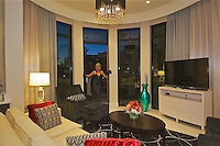 RD- Inn on 5th Presidential Suite & Balcony View of 5th Ave., Naples Fl 12 13