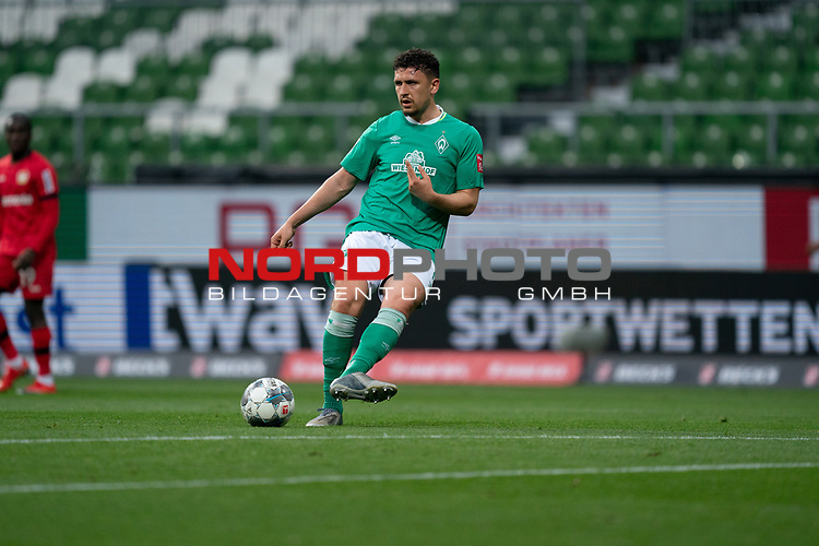 Milos Veljkovic (Werder Bremen #13)<br /> <br /> Sport: Fussball: 1. Bundesliga: Saison 19/20: <br /> 26. Spieltag: SV Werder Bremen vs Bayer 04 Leverkusen, 18.05.2020<br /> <br /> Foto ©  gumzmedia / Nordphoto / Andreas Gumz / POOL <br /> <br /> Nur für journalistische Zwecke! Only for editorial use!<br />  DFL regulations prohibit any use of photographs as image sequences and/or quasi-video.