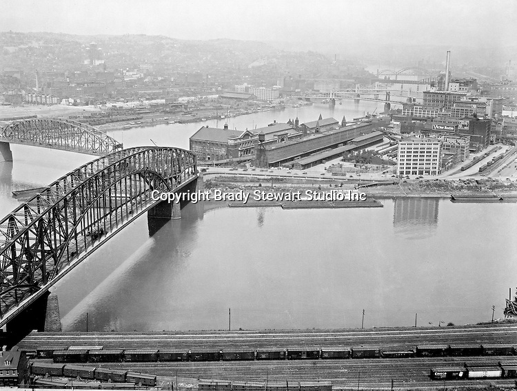 Pittsburgh PA:  View of the Manchester and Point bridges at the junction of the three rivers - 1928