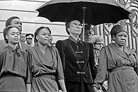 19 ottobre 1986, in un incidente aereo muore il primo presidente della Repubblica del Mozambico Samora Machel, eroe nazionale, padre dell'indipendenza dal Portogallo. Graça Machel moglie di Samora Machel e futura moglie di Nelson Mandela