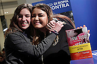 Anna Todd firma libri ai fans<br /> Anna Todd signing books to her fans<br /> Roma 13-01-2017. Centro Commerciale Porta di Roma. La scrittrice Anna Todd presenta ai fans il suo nuovo libro, Nothing Less. La scrittrice e' divenuta famosa su Wattpad, la più' grande community per scrittori self-published, con una serie di libri sugli One Direction<br /> Rome January 13th 2017. Porta di Roma shopping mall. Writer Anna Todd meets her fans to present her new book 'Nothing less'. The writer, has become famous on Wattpad, the biggest community for self-published writers, with a serie of books about the group One Direction.<br /> Foto Samantha Zucchi Insidefoto