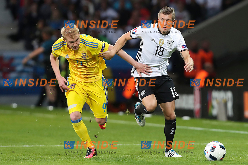 Anatomiy Tymoshchuk (Ukraine)  vs Toni Kroos (Germany)<br /> Lille 12-06-2016 Stade Pierre Mauroy Football Euro2016 Germany - Ukraine / Germania - Ucraina Group Stage Group C. Foto Gwendoline Le Goff / Panoramic / Insidefoto