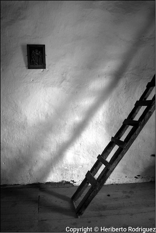 A view of the jesuit San Ignacio church in the Tarahumara, near Creel town of Chihuahua, November 10, 2003  © Photo by Heriberto Rodriguez
