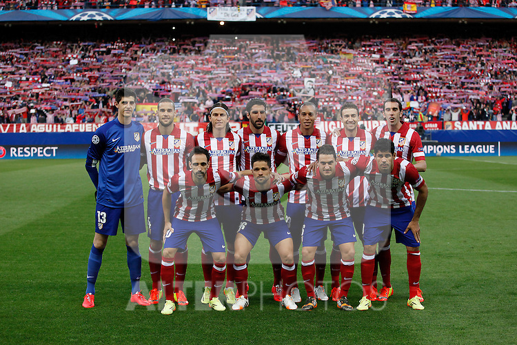 Atletico de Madrid´s players before Champions League semifinal first leg soccer match between Atletico de Madrid and Chelsea, at the Vicente Calderon stadium, in Madrid, Spain, April 22, 2014. (ALTERPHOTOS/Victor Blanco)