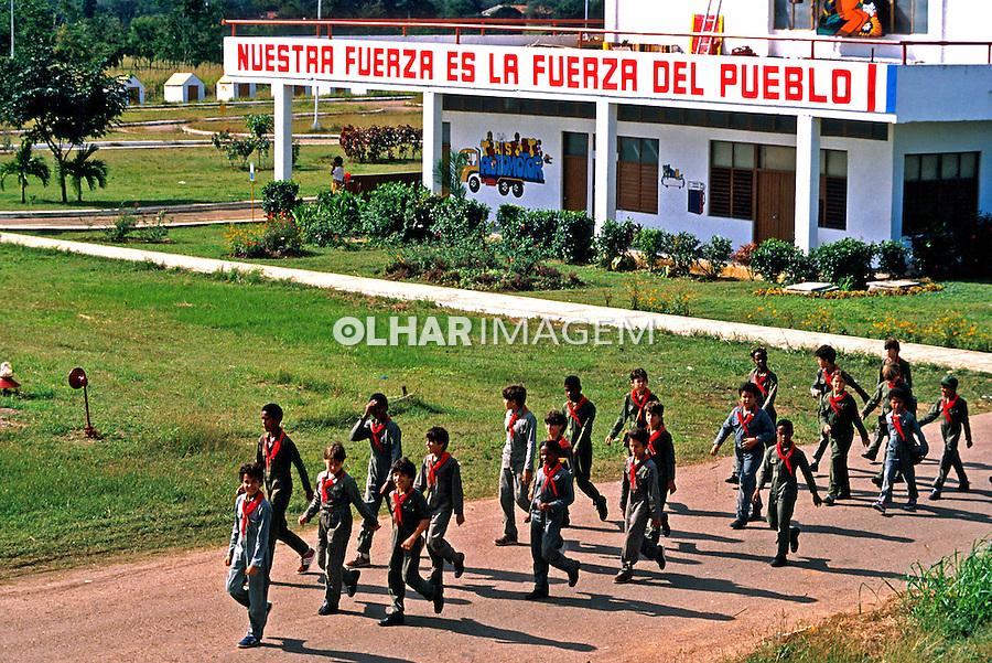 Escolares em visita ao Parque Lenin em Havana. Cuba. 1984. Foto de Juca Martins.