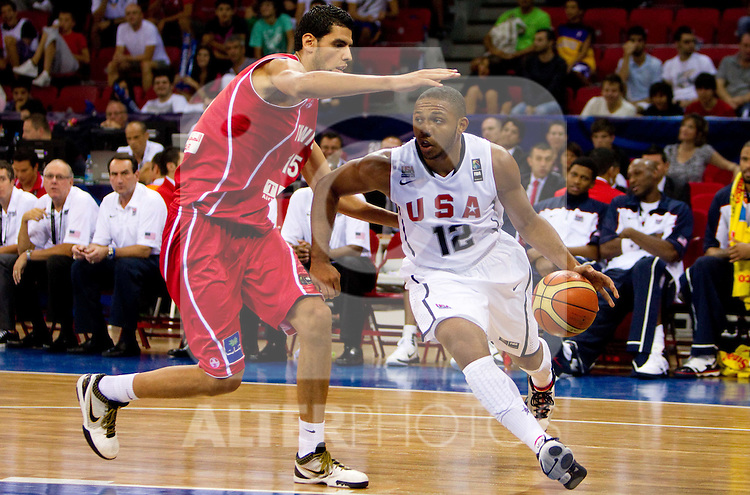 02.09.2010, Abdi Ipekci Arena, Istanbul, TUR, 2010 FIBA World Championship, USA vs Tunisia, Im Bild Salah Mejri of Tunisia vs Eric Gordon of USA during  the Preliminary Round - Group B basketball match between National teams of USA and Tunisia. EXPA Pictures © 2010, PhotoCredit: EXPA/ Sportida/ Vid Ponikvar *** ATTENTION *** SLOVENIA OUT!