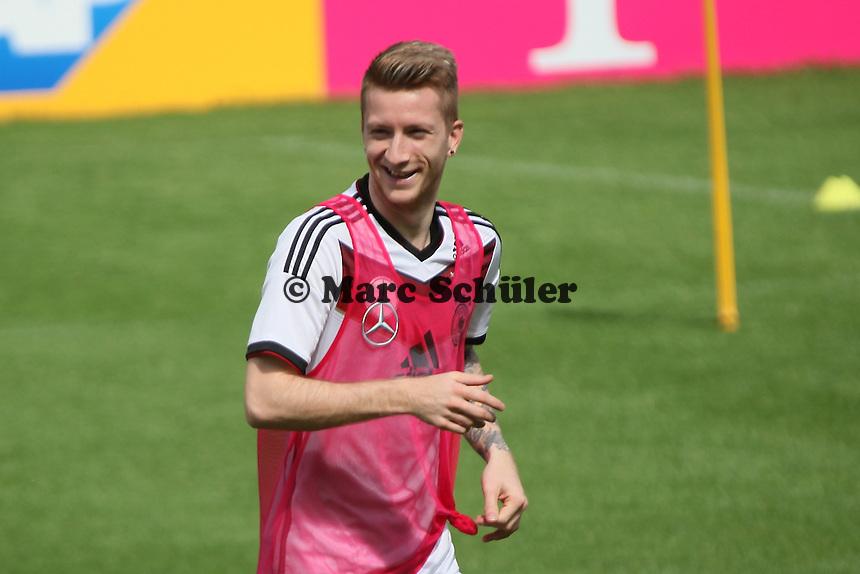 Marco Reus gut gelaunt - Training der Deutschen Nationalmannschaft  zur WM-Vorbereitung in St. Martin