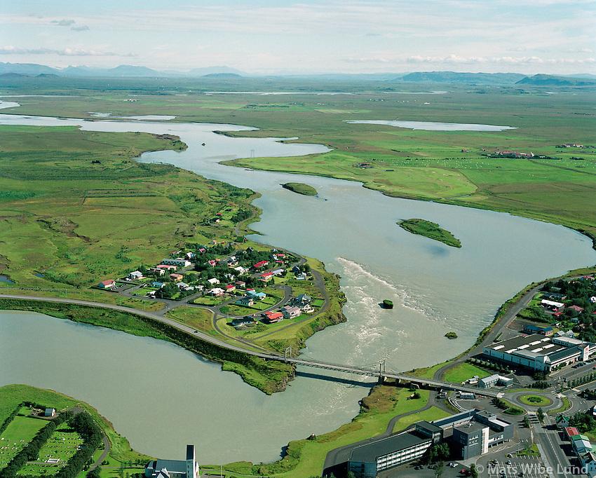 Selfoss, Ölfusá séð til norðurs..Selfoss, river Olfusa viewing north      .Árborg frá 1998 / Arborg since 1998.