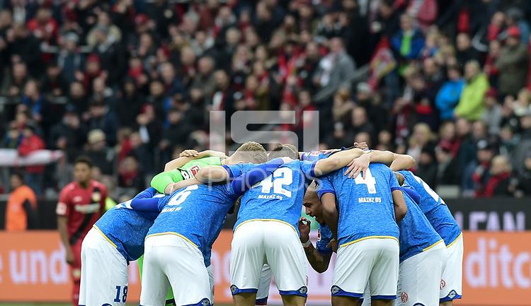 Football : Germany -1. Bundesliga  2017/18 <br /> Bayer Leverkusen 04 vs Mainz <br /> 28/01/2018 - Mainz 05 Team huddle before kick-off, Nigel de Jong *** Local Caption *** &copy; pixathlon<br /> Contact: +49-40-22 63 02 60 , info@pixathlon.de