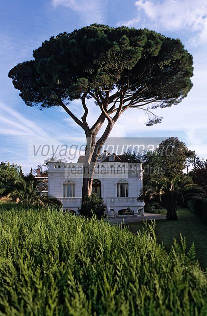 Europe/France/Aquitaine/33/Gironde/Bassin d'Arcachon/Arcachon: La ville d'hiver - Villa en face de la Villa Theresa dans l'allée Korrigan