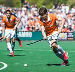 BLOEMENDAAL   - Hockey -  2e wedstrijd halve finale Play Offs heren. Bloemendaal-Amsterdam (2-2) . A'dam wint shoot outs.  Florian Fuchs (Bldaal) . COPYRIGHT KOEN SUYK