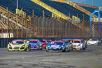 RIO DE JANEIRO, RJ, 21 DE JULHO 2012 - CAMPEONATO BRASILEIRO DE GRAN TURISMO - CORRIDA 1 - 4ª ETAPA - RIO DE JANEIRO - Largada para a corrida 1 da 4ª etapa do Campeonato Brasileiro de Gran Turismo, disputado no Autodromo Internacional Nelson Piquet, Jacarepagua, Rio de Janeiro, neste sábado, 21. FOTO BRUNO TURANO  BRAZIL PHOTO PRESS