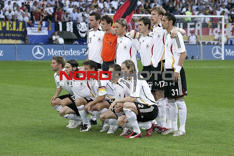 Qualifikation  EM 2007 Gruppe: D<br /> <br /> Deutschland (GER) - Slowakei ( SVK ) 2:1<br /> <br /> Die Deutsche Mannschaft vor dem Spiel <br /> <br /> Foto &copy; nph ( nordphoto )<br /> <br /> <br /> <br />  *** Local Caption ***