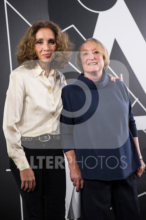 Spanish actress Ana Belen (L) and Spanish Cinema Academy President Yvonne Blake (R) attend the Goya honorary Aaward 2017 press conference at Academia de CineMadrid, January  17, 2017. (ALTERPHOTOS/Rodrigo Jimenez)
