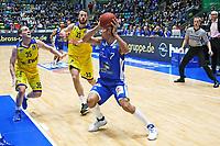 Shawn Huff (Fraport Skyliners) setzt sich durch - 05.11.2017: Fraport Skyliners vs. EWE Baskets Oldenburg, Fraport Arena Frankfurt