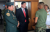 BOGOTA -COLOMBIA. 25-NOVIEMBRE-2014. El Miinistro de Defensa Nacional visito en el Hospital Militar Central a los soldados que fueron secuestrados el pasado 9 de noviembre en Arauca./ National Defence Minister visited the Central Military Hospital to the soldiers who were kidnapped on November 9 in Arauca.   Photo: VizzorImage / Mauricio Orjuela / Ministerio de Defensa Nacional