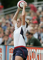10 July 2005:  Cat Reddick of USA in action against Ukraine at Merlo Field at University of Portland in Portland, Oregon.    USA defeated Ukraine, 7-0.   Credit: Michael Pimentel / ISI