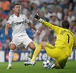 MADRID (15/(09/2010).- Champions League match Real Madrid vs Ajax Amsterdam. Cristiano Ronaldo and Maarten Stekelenburg...Photo: Cesar Cebolla / ALFAQUI