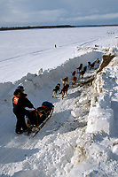 Vern Halter Leaves Galena Checkpoint 2004 Iditarod