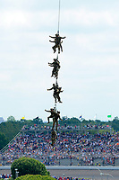 Verizon IndyCar Series<br /> Indianapolis 500 Race<br /> Indianapolis Motor Speedway, Indianapolis, IN USA<br /> Sunday 28 May 2017<br /> Army Rangers are lifted by helicopter from turn one.<br /> World Copyright: F. Peirce Williams<br /> LAT Images