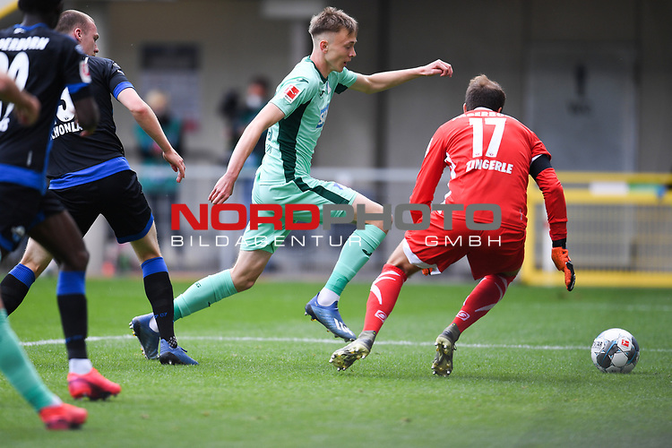 Maximilian Beier (TSG 1899 #35) gegen Torwart Leopold Zingerle (SC Paderborn #17), <br /><br />Foto: Edith Geuppert/GES /Pool / Rauch / nordphoto <br /><br />DFL regulations prohibit any use of photographs as image sequences and/or quasi-video.<br /><br />Editorial use only!<br /><br />National and international news-agencies out.