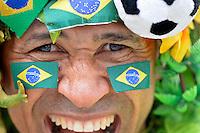 RIO DE JANEIRO - RJ - BRASIL - 30.6.2013 - Torcedores chegam ao estadio Maracana no Rio de Janeiro, para a partida entre Brasil x Espanha, valida pela final da Copa das Confederacoes 2013.<br /> FOTO: Douglas Magno / Brazil Photo Press