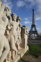 Statues, Trocadero complex of buildings and gardens, created for the Universal Exhibition of 1937, Eiffel Tower in the distance, March 31, 1889 (Universal Exhibition in celebration of the French Revolution, Alexandre Gustave Eiffel (1832-1923), 16th arrondissement, Paris, France Picture by Manuel Cohen