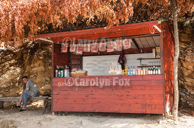 Roadside market along the way up to Lovcen