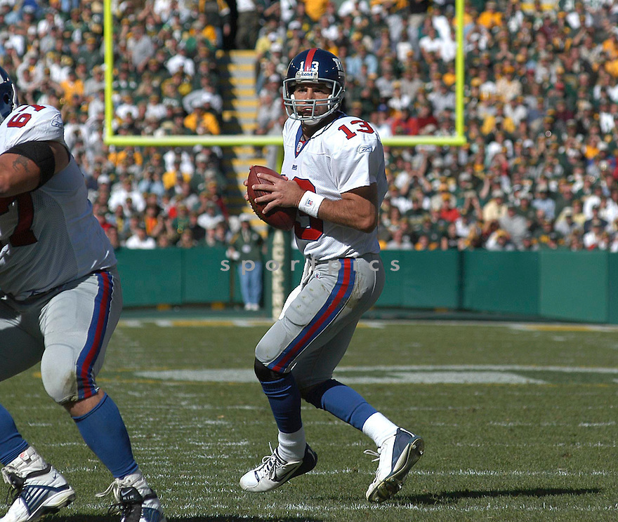 Kurt Warner during the Giants v. Packers game on October 3, 2004...Chris Bernacchi / SportPics