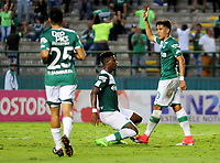 CALI - COLOMBIA, 02-09-2017: Andres Felipe Roa (Der) jugador del Deportivo Cali celebra después de anotar un gol a Atletico Bucaramanga durante partido por la fecha 11 de la Liga Aguila II 2017 jugado en el estadio Palmaseca de la ciudad de Palmira. / Andres Felipe Roa (R) player of Deportivo Cali celebrates after scoring a goal to Atletico Bucaramanga during match for the date 11 of the Aguila League II 2017 played at Palmaseca stadium in Palmira city. Photo: VizzorImage / Nelson Rios / Cont