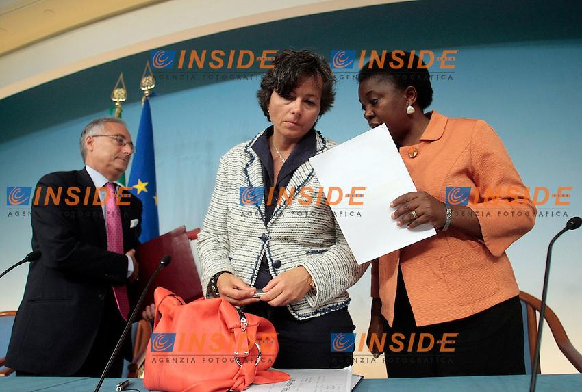 Maria Chiara Carrozza e Cecile Kyenge<br /> Roma 09-09-2013 Palazzo Chigi. Conferenza stampa al termine del CDM, Cosiglio dei Ministri.<br /> Press conference at the end of the Minister's Cabinet<br /> Photo Samantha Zucchi Insidefoto