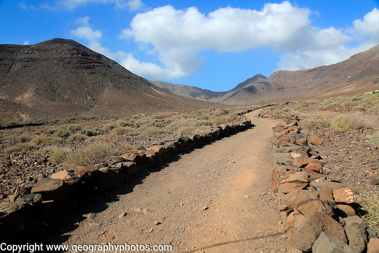 Footpath trail from Gran Valle to Cofete, Jandia peninsula, Fuerteventura, Canary Islands, Spain