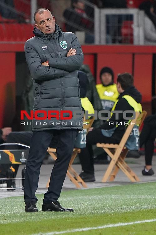 29.11.2018, BayArena, Leverkusen, Europaleque, Vorrunde, GER, UEFA EL, Bayer 04 Leverkusen (GER) vs. Ludogorez Rasgrad (BUL),<br />  <br /> DFL regulations prohibit any use of photographs as image sequences and/or quasi-video<br /> <br /> im Bild / picture shows: <br /> Trainer / Headcoach Paulo Autuori (Rasgrad), <br /> <br /> Foto © nordphoto / Meuter<br /> <br /> <br /> <br /> Foto © nordphoto / Meuter