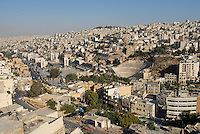 JORDAN, Amman, city view and roman theatre / JORDANIEN, Amman, Stadtansicht und roemisches Amphi-Theater