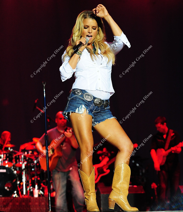 Jessica Simpson appears at the Country Thunder USA concert in Twin Lakes, Wisconsin, on 8/19/08