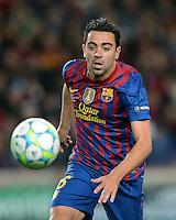 FUSSBALL   CHAMPIONS LEAGUE  HALBFINAL-RUECKSPIEL   2011/2012      FC Barcelona - FC Chelsea       24.04.2012 Xavi Hernandez (Barca) am Ball