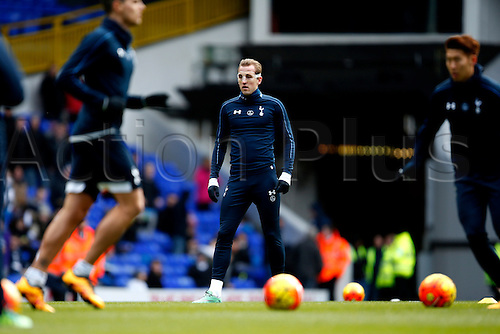 28.02.2016. White Hart Lane, London, England. Barclays Premier League. Tottenham Hotspur versus Swansea City. Harry Kane warms-up with protective face mask on prior to the Barclays Premier League match between Tottenham Hotspur and Swansea City.