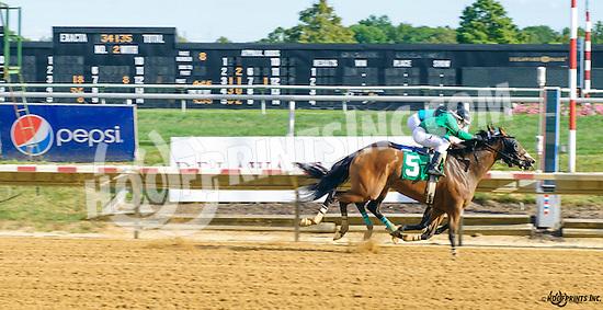La Key winning at Delaware Park on 9/15/16