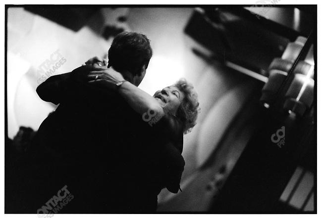 4:00 a.m., El Beso,  Buenos Aires, Argentina, June 2001