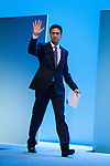 © Joel Goodman - 07973 332324 . No syndication permitted . 25/09/2013 . Brighton , UK . Labour Party Leader , ED MILIBAND , crosses the stage for the Q&A this afternoon (Wednesday 25th September 2013) . Day 4 of the Labour Party 's annual conference in Brighton . Photo credit : Joel Goodman
