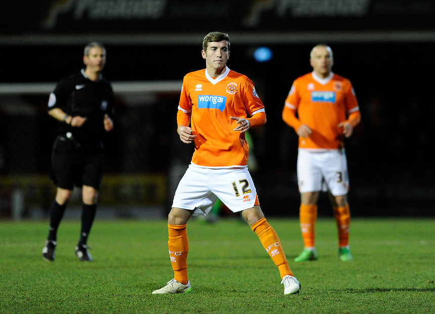 Blackpool's Joe Rothwell<br /> <br /> Photographer Ashley Western/CameraSport<br /> <br /> Football - The Football League Sky Bet League One - Brentford v Blackpool - Tuesday 24th February 2015 - Griffin Park - London<br /> <br /> &copy; CameraSport - 43 Linden Ave. Countesthorpe. Leicester. England. LE8 5PG - Tel: +44 (0) 116 277 4147 - admin@camerasport.com - www.camerasport.com