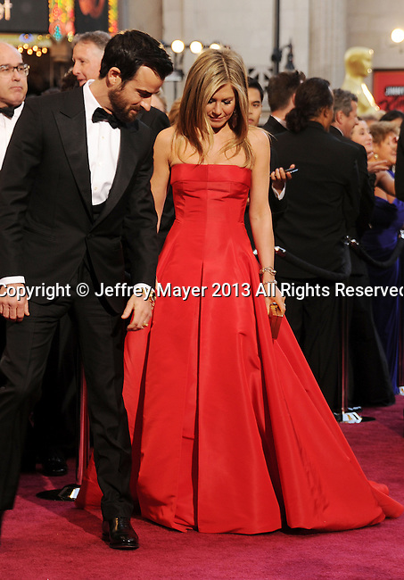 HOLLYWOOD, CA- FEBRUARY 24: Justin Theroux, Jennifer Aniston arrives at the 85th Annual Academy Awards at Hollywood & Highland Center on February 24, 2013 in Hollywood, California