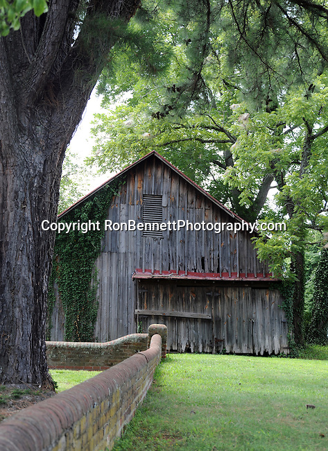Barn in Urbanna Virginia Middlesex County founded 1673, Urbanna serving as a port for shipping agricultural products and later as the county's commercial and governmental center in 1680's, Rosegill Estate, Sir Henry Chicheley, Thomas Culpeper, Lord Francis Howard,