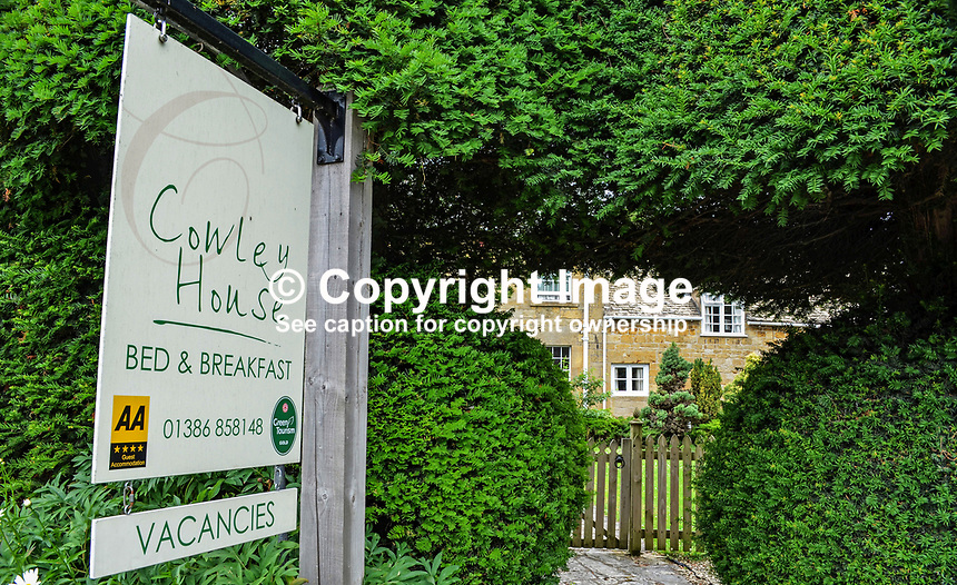Cowley House, bed &amp; breakfast, Broadway, Shropshire, Cotswolds, UK, 201407113502<br />