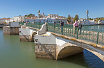 Ponte Romana de Tavira, Roman Bridge spanning the River Gilao, Rio Gilão, present structure dates from 1667, town of Tavira, Algarve, Portugal, Europe