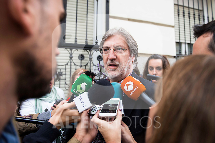José Antonio Pérez Tapias attends to the meeting of PSOE's Federal Committee at PSOE's headquarters in Ferraz, Madrid. October 23, 2016. (ALTERPHOTOS/Borja B.Hojas)