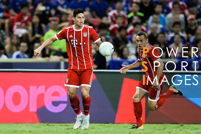 Bayern Munich Midfielder James Rodríguez (L) in action during the International Champions Cup match between Chelsea FC and FC Bayern Munich at National Stadium on July 25, 2017 in Singapore. Photo by Marcio Rodrigo Machado / Power Sport Images