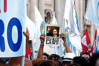 Roma 8 Luglio 2008..Piazza Navona.No Cav Day.Manifestazione contro il presidente del Consiglio Silvio Berlusconi Rome, July 8, 2008..Piazza Navona.No Cav Day.Demonstration against the Prime Minister Silvio Berlusconi..