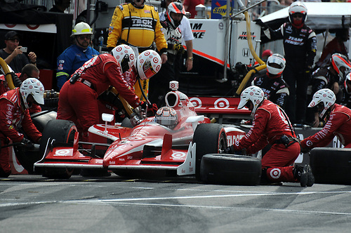 8-10 July, 2011, Toronto, Ontario CA<br /> Scott Dixon pit stop.<br /> (c)2011, Paul Webb<br /> LAT Photo USA